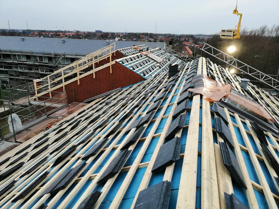 Naturskifer oplagt og klar til montering